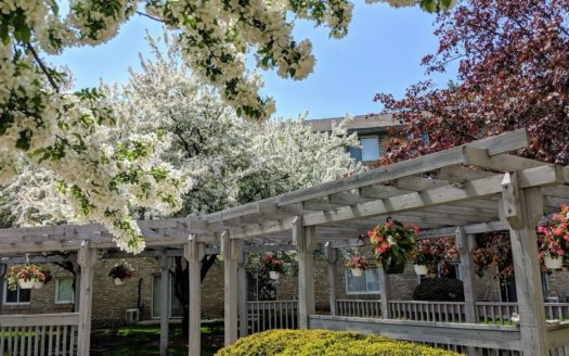 Sentinel Pointe Retirement – 18 acres of wooded beauty